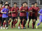 latihan-timnas-sepakbola-senior-indonesia_may.jpg