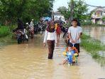 lokasi-banjir-di-desa-pasir-ampo-kresek-kabupaten-tangerang-menjadi-tontonan-warga.jpg