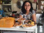lusia-42-ibu-tiga-anak-mulai-menjalankan-usaha-roti-bakoel-roti.jpg