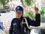 m-tohir-petugas-keamanan-perumahan-bulak-barat-iv-kelurahan-klender-duren-sawit-jakarta-timur.jpg