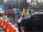 mahasiswa-dan-buruh-menggelar-aksi-unjuk-rasa191020202.jpg