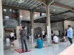 masjid-nur-rahmah-jelang-pelaksanaan-solat-jumat-ciracas-ciracas-jakarta-timur-jumat-562020.jpg