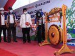 mendes-pdtt-abdul-halim-iskandar_pt-pupuk-kaltim_kabupaten-dompu-ntb_001.jpg