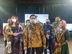 menteri-desa-pdtt-abdul-halim-iskandar-hari-batik-nasional_z1.jpg