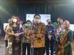 menteri-desa-pdtt-abdul-halim-iskandar_hari-batik-nasional_xii.jpg