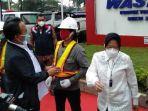 menteri-sosial-republik-indonesia-tri-rismaharini-di-pt-waskita-karya.jpg