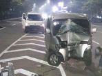 minibus-terguling-di-jalan-raya-tb-simatupang-jagakarsa_20180503_142816.jpg