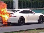 mobil-mewah-terbakar-di-boulevard.jpg