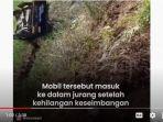 mobil-mitsubishi-l300-di-lumajang-terperosok-ke-jurang-sedalam-100-meter.jpg