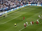 mohammed-salah-mencetak-gol-untul-liverpool-di-laga-final-liga-champions.jpg