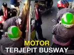 motor-terjepit-bus-transjakarta_20171016_141249.jpg
