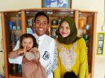 muhammad-toha-bek-kanan-persita-tangerang-saat-bersama-keluarga.jpg