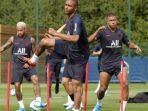 neymar-latihan-bersama-psg1.jpg
