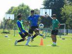 para-pemain-timnas-u-19-indonesia-mendapatkan-materi-latihan-pemulihan-oleh-shin-tae-yong.jpg