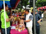 pasar-murah-digelar-di-halaman-kantor-kelurahan-ciracas_20180602_143612.jpg