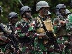 pasukan-tni-bersiaga-menghadapi-aksi-teror-kkb-papua200920201.jpg