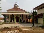 pd-pembangunan-sarana-jaya-bantu-perbaikan-musala-di-dki_20180916_072131.jpg
