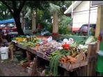 pedagang-pasar-blok-a-berjualan-di-pinggir-jalan.jpg
