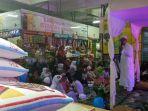 pedagang-pasar-santa-santuni-anak-yatim_20170921_173011.jpg