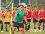 pelatih-timnas-indonesia-u-16-bima-sakti-pimpin-seleksi-34-pemain-muda.jpg