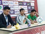 pelatih-timnas-u-23-indonesia-indra-sjafrie-saat-memberi-keterangan-pers-setelah-timnya-menang-2-1.jpg