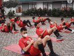 pemain-persija-soccer-school-sedang-melakukan-latihan.jpg