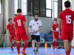 pemain-timnas-futsal-indonesia-sedang-berlatih.jpg