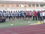 pemain-timnas-u-19-indonesia-menggunakan-kaos-kaki-berbeda-warna.jpg