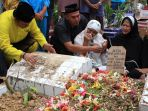 pemakaman-jenazah-dr-ryan-thamrin_20170805_080503.jpg