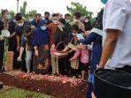 pemakaman-pebulutangkis-markis-kido-di-tpu-kebon-nanas-pada-selasa-1562021.jpg