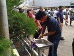 pemeriksaan-protokol-kesehatan-di-masjid-al-kautsar050620202.jpg