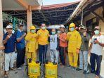 pemukiman-warga-rw-05-kelurahan-jatinegara-disemprot-cairan-disinfektan.jpg