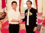 pendiri-dan-direktur-utama-ruangguru-belva-devara-kiri-bersama-presiden-joko-widodo.jpg