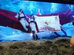 pengibaran-bendera-merah-putih-di-sea-world-2_20170817_131632.jpg