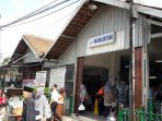 pengoperasian-perdana-krl-commuter-line-rangkasbitung-tanah-abang-11_20170401_184147.jpg