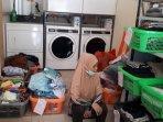 pengusaha-laundry-merugi-akibat-pemadaman-listrik05.jpg