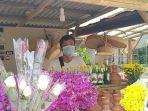 penjual-bunga-di-tpu-jombang.jpg