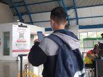 penumpang-krl-wajib-tunjukan-bukti-vaksinasi-covid-19-saat-masuk-stasiun-palmerah.jpg