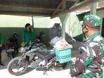 penyaluran-bantuan-paket-sembako-untuk-warga-gunung-kidul-melalui-babinsa.jpg