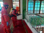 penyemprotan-disinfektan-di-masjid-baiturrahman.jpg