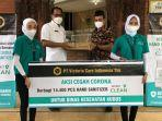 penyerahan-bantuan-berupa-hand-sanitizer-dari-pt-victoria-care-indonesia.jpg