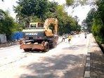 perbaikan-jalan-yang-rusak-berat-di-kota-tangerang071020201.jpg