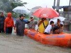 periuk-tangerang-terendam-banjir-ratusan-warga-dievakuasi0203.jpg