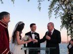 pernikahan-ozil-3.jpg