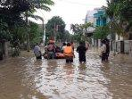 perumahan-villa-jatirasa-masih-terendam-banjir251020202.jpg