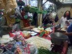 petugas-sudin-kpkp-jakarta-pusat-melakukan-inspeksi-di-pasar-tradisional-pada-selasa-512021.jpg