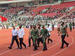 presiden-jokowi-tinjau-vaksinasi-massal-di-stadion-gbk.jpg