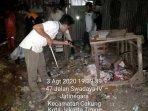 proses-evakuasi-5-ekor-monyet-di-rt-05-kelurahan-jatinegara040820201.jpg