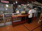 protokol-kesehatan-di-restoran-ny-suharti300505.jpg