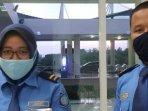 pt-angkasa-pura-ii-wajibkan-personil-operasi-di-19-bandara-pakai-masker-kain070401.jpg